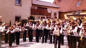 MVH1978_Maibaumaufstellung